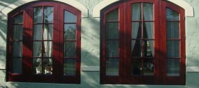 Borano Mahogany Windows